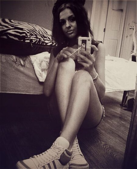 Lily-Rose dispo pour relation a Neuilly-sur-Seine